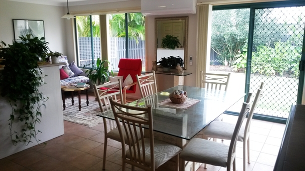 Home exchange in,Australia,HOPE ISLAND,Dining room and family nook