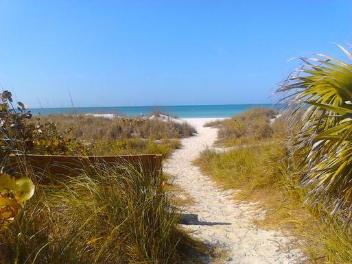 Breathtaking white sand beaches only 10 min away!