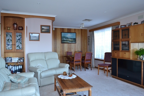 Home exchange in,Australia,BLACKMANS BAY,Lounge room