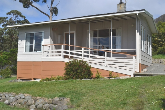 Home exchange in,Australia,BLACKMANS BAY,Our holiday home at  Eaglehawk Neck