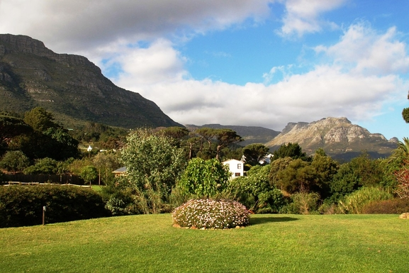 BoligBytte til,South Africa,Hout Bay / Cape Town,View of Table Mountain from the garden