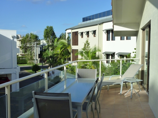 Home exchange in,Australia,Noosaville,Side verandah