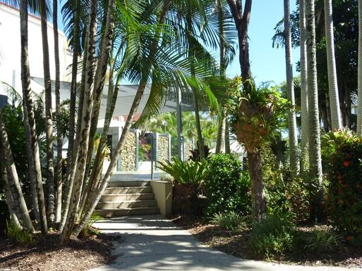 Home exchange in,Australia,Noosaville,Entrance to pool area