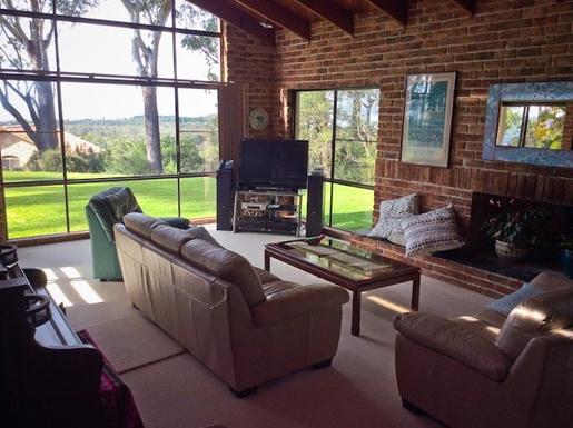 Home exchange in,Australia,Sandy Beach,Loungeroom.