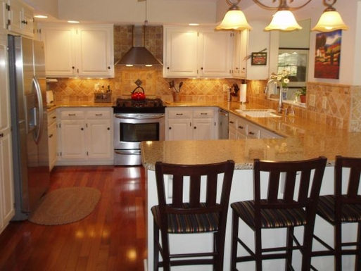 Gourmet kitchen with all modern conveniences