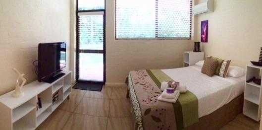 Home exchange in,Australia,Noosa Heads,Sunshine Coast,Bed 1, Ensuite, queen bed, flat screen TV