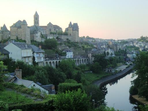 BoligBytte til,France,Uzerche,Boligbytte billeder