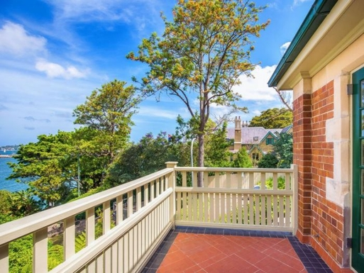 Home exchange in,Australia,Kirribilli,Balcony off Dining Area