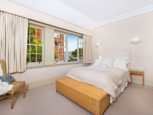 Home exchange in,Australia,Kirribilli,Master Bedroom