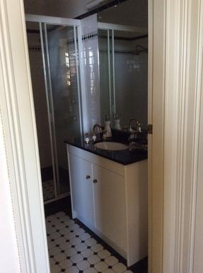 Home exchange in,Australia,Kirribilli,Master Bedroom Ensuite