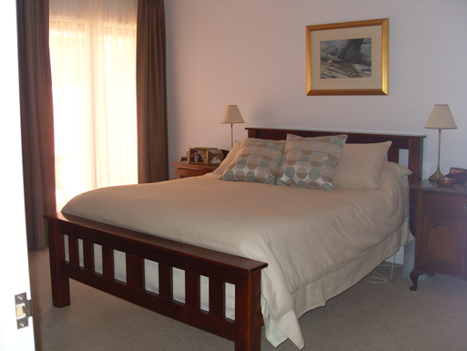 Home exchange in,Australia,MARION,Master Bedroom Queen bed with ensuite and walk in