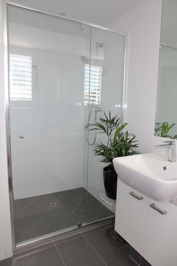 Home exchange in,Australia,MAROOCHYDORE,Main bathroom
