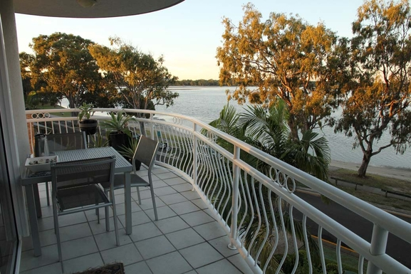 Home exchange in,Australia,MAROOCHYDORE,Balcony in the afternoon