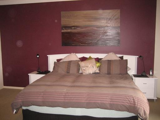 Home exchange in,Australia,BUDERIM,Main Bedroom + Ensuite + Walk in Robe +TV