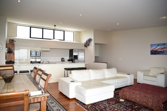 Home exchange in,Australia,Coolum Beach,Upstairs open plan kitchen, lounge and dining area