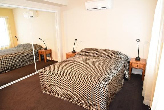 Home exchange in,Australia,Coolum Beach,Queen size bedroom 2 - second level
