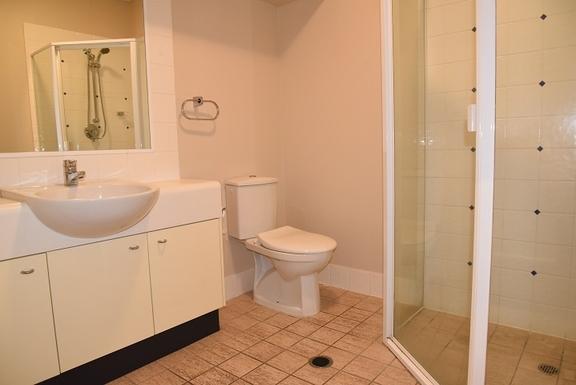 Home exchange in,Australia,Coolum Beach,Second bathroom - second level