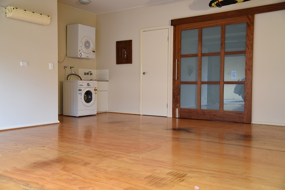 Home exchange in,Australia,Coolum Beach,Garage and laundry - third level