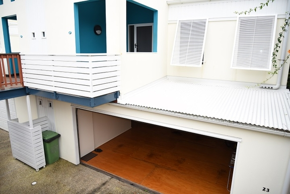 Home exchange in,Australia,Coolum Beach,Entry, double garage and car parking