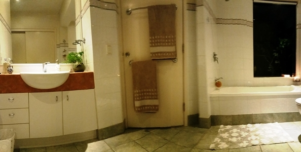 Home exchange in,Australia,BUDDINA,Guest bathroom