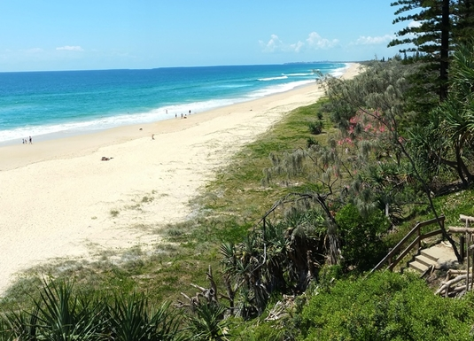 Home exchange in,Australia,BUDDINA,15km of pristine surf beach from doorstep to Calou