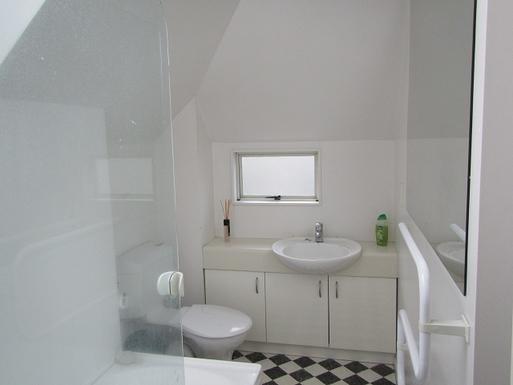 BoligBytte til,New Zealand,Wellington,Main Bathroom