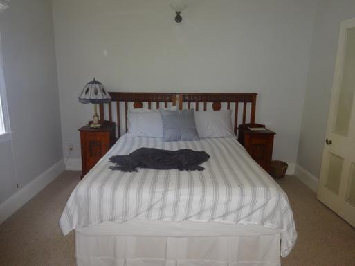 Home exchange in,Australia,WINDSOR,Queen bedroom upstairs