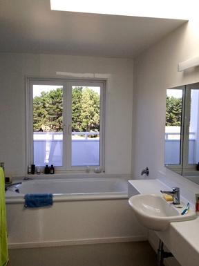 BoligBytte til,New Zealand,Waikanae,Main bathroom