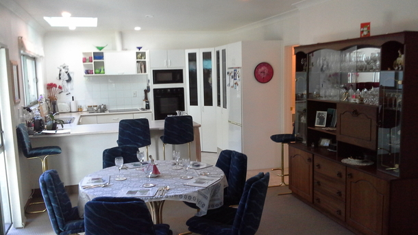 BoligBytte til,New Zealand,Blenheim,Open plan dining/kitchen with walk-in pantry and a