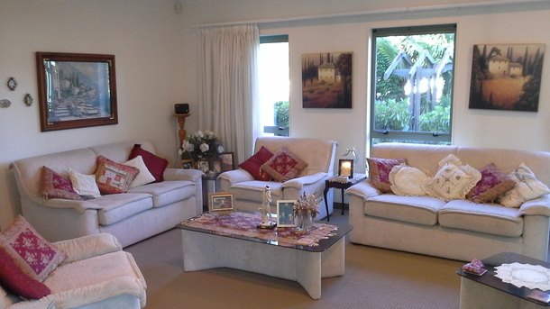BoligBytte til,New Zealand,Blenheim,The spacious lounge is so comfortable and relaxing