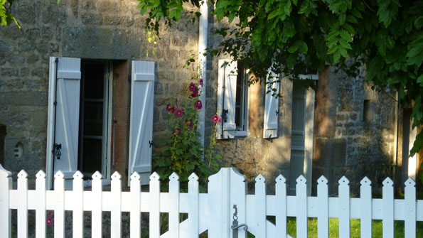 BoligBytte til,France,royere de vassiviere,Limousin Stoned Country Cottage in a Village