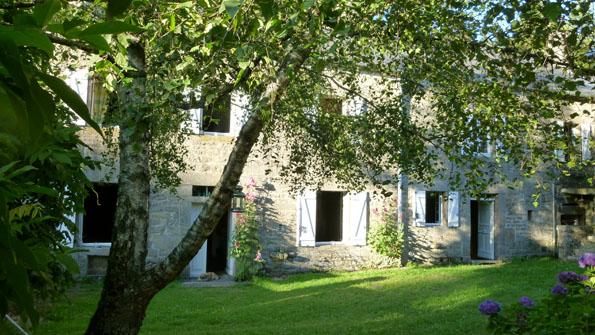 BoligBytte til,France,royere de vassiviere,Enjoy this lovely cottage (old horses relay)
