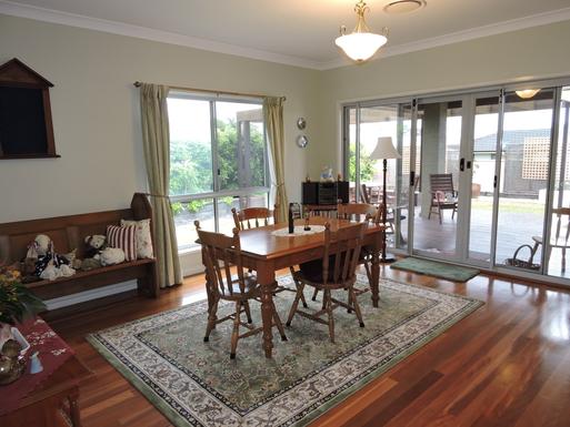 Home exchange in,Australia,Worrigee,Dining Room