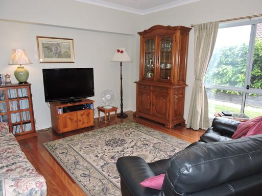 Home exchange in,Australia,Worrigee,TV/Sitting Room