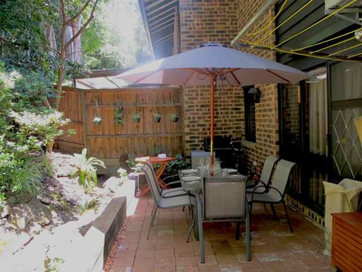 Home exchange in,Australia,BALGOWLAH,Rear courtyard and BBQ area