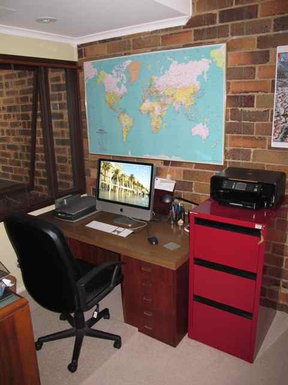 Home exchange in,Australia,BALGOWLAH,Study with Mac computer (WiFi throughout the prope