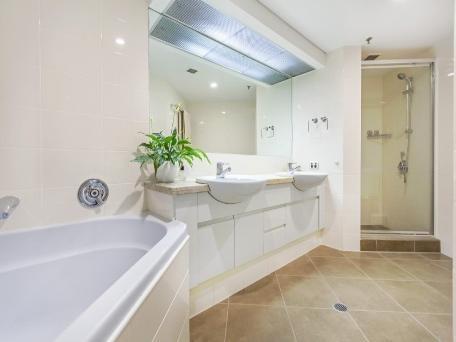 Home exchange in,Australia,Brisbane CBD,,Main Bathroom