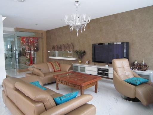 BoligBytte til,Singapore,Singapore,Living room with TV/DVD