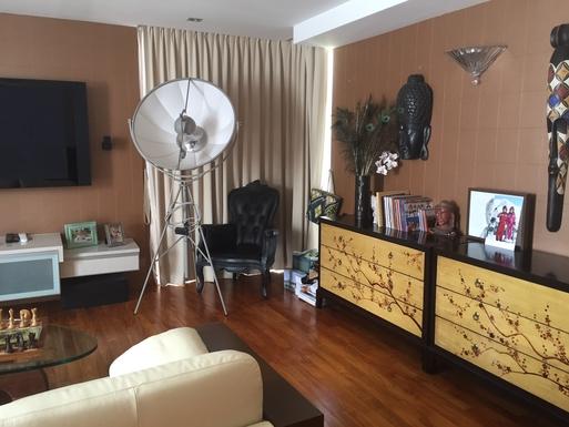 BoligBytte til,Singapore,Singapore,TV/DVD in the master bedroom