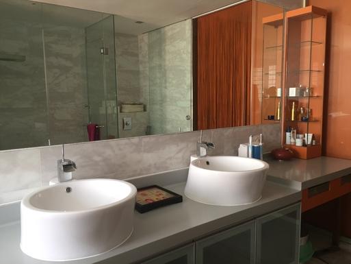 BoligBytte til,Singapore,Singapore,Ensuite bathroom for the master bedroom. Includes