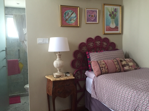 BoligBytte til,Singapore,Singapore,Girly bedroom with ensuite bathroom