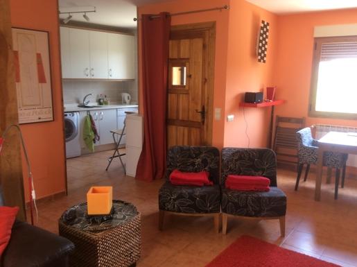 BoligBytte til,Spain,Montejo de la Sierra,Front room with open access to kitchen