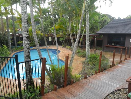 Home exchange in,Australia,Elanora, Gold Coast,pool and gazebo - front yard