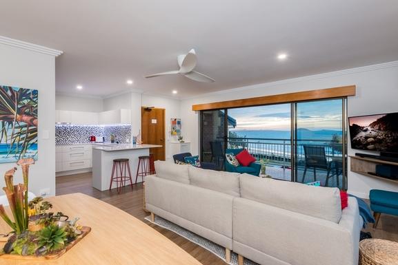 Home exchange in,Australia,MOOLOOLABA,Lounge. entry, kitchen