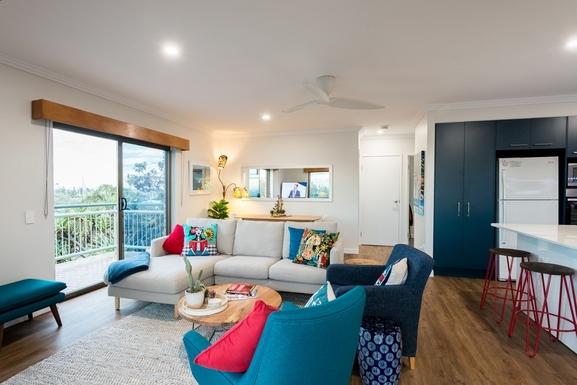Home exchange in,Australia,MOOLOOLABA,Side deck overlooks park