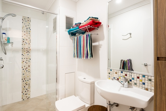 Home exchange in,Australia,MOOLOOLABA,Bathroom