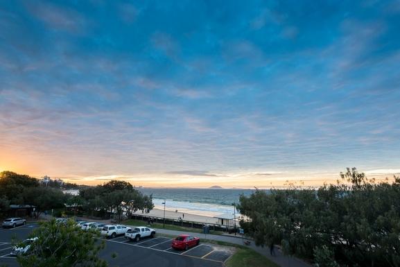 Home exchange in,Australia,MOOLOOLABA,Evening view