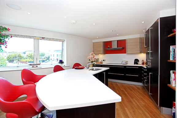 Home exchange in,United Kingdom,POOLE,Large sunny kitchen.