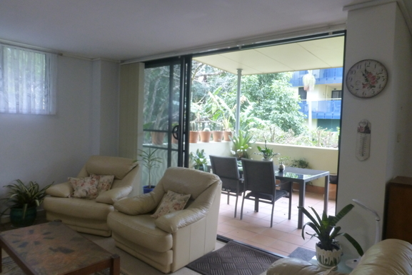 Home exchange in,Australia,WARNERS BAY,Looking out from living room