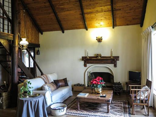 BoligBytte til,South Africa,Lyttleton,Cottage Lounge